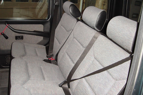 Click image for larger version  Name:rearseats.jpg Views:391 Size:106.4 KB ID:21288