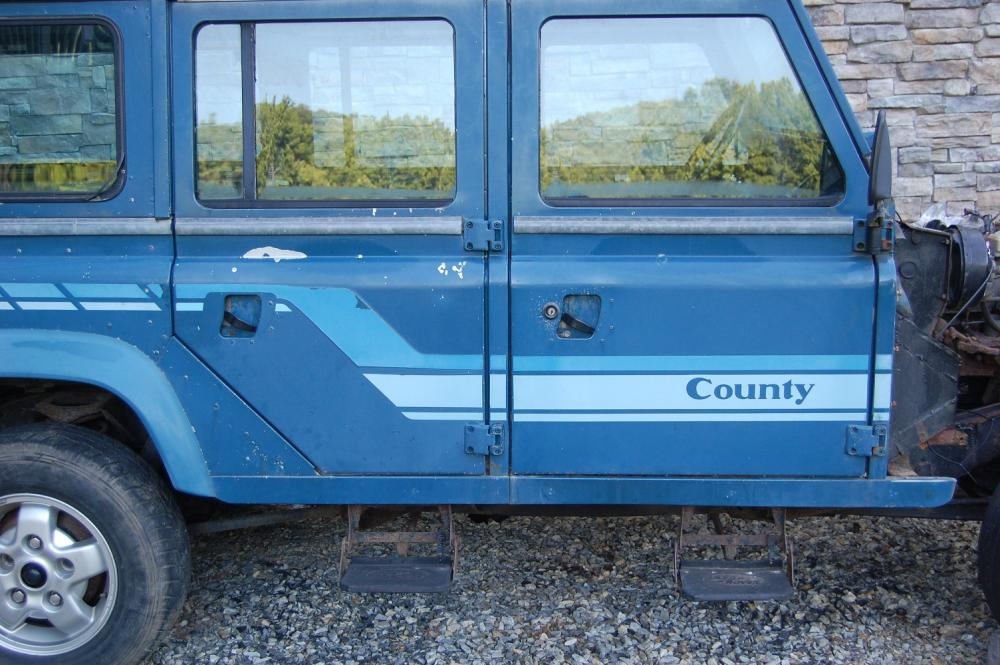 Click image for larger version  Name:RH Blue doors  .jpg Views:97 Size:110.6 KB ID:52983