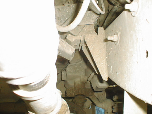 Click image for larger version  Name:RH bracket on chassis2.jpg Views:109 Size:59.5 KB ID:28925