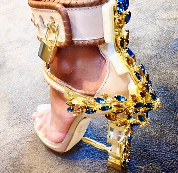 Click image for larger version  Name:Rihanna-s-Virginia-Sandals-Jewels-Sparkle-Spiked-High-Heels-Shoes-Woman-Peep-Toe-Women-Sandals-R.jpg Views:20 Size:475.2 KB ID:132136
