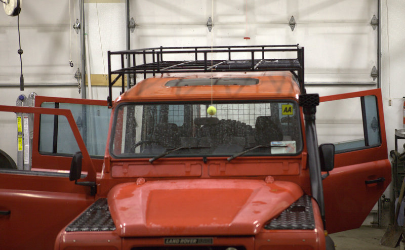 Click image for larger version  Name:roof rack front1.jpg Views:77 Size:100.7 KB ID:51423