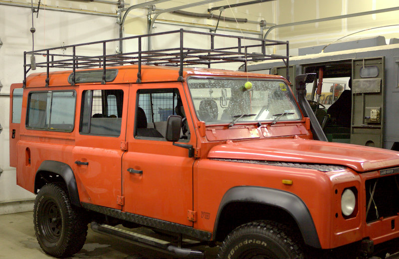 Click image for larger version  Name:roof rack side 2.jpg Views:118 Size:139.8 KB ID:51424