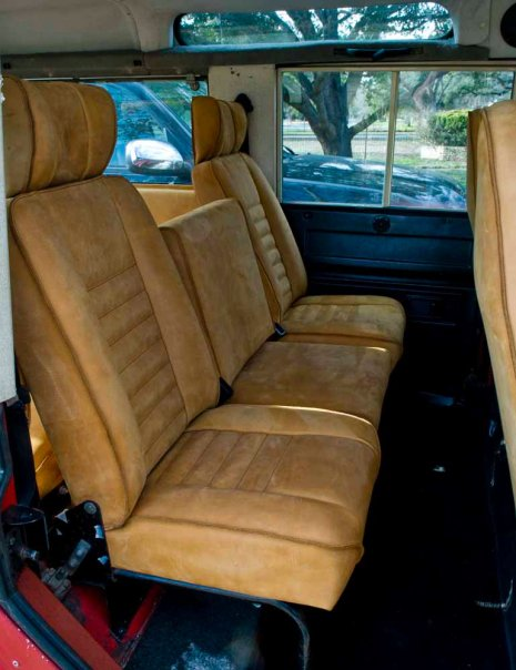Click image for larger version  Name:roverbackseat.jpg Views:362 Size:53.9 KB ID:26620