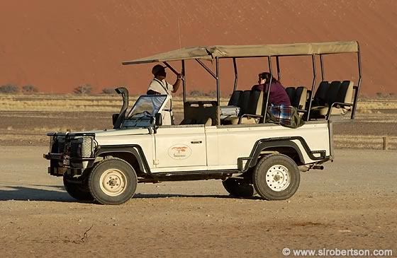 Click image for larger version  Name:safariaftruck.jpg Views:97 Size:44.1 KB ID:50808