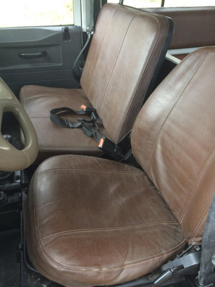 Click image for larger version  Name:seats_front_2.jpg Views:223 Size:83.5 KB ID:151129