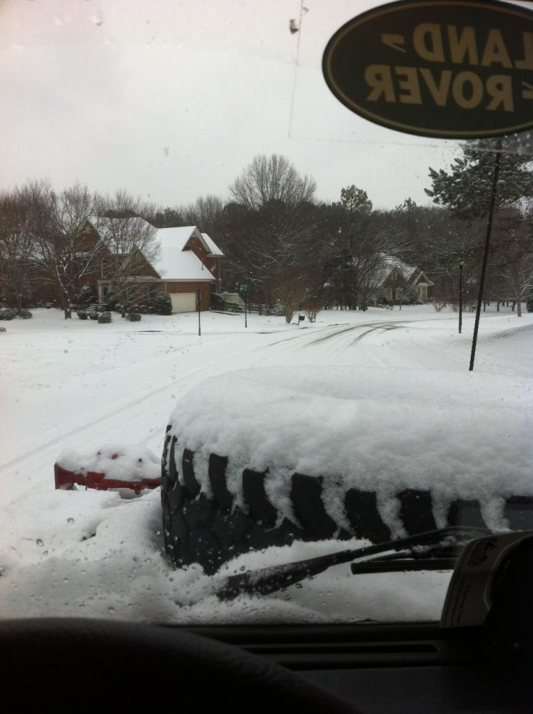 Click image for larger version  Name:snowroad.jpg Views:82 Size:74.6 KB ID:35435