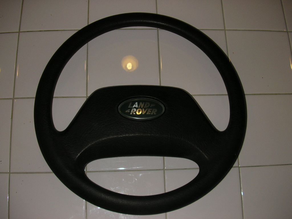 Click image for larger version  Name:steering wheel 001.jpg Views:68 Size:217.6 KB ID:45825