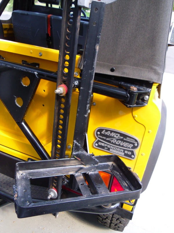 Click image for larger version  Name:tire carrier2.jpg Views:55 Size:157.4 KB ID:54505