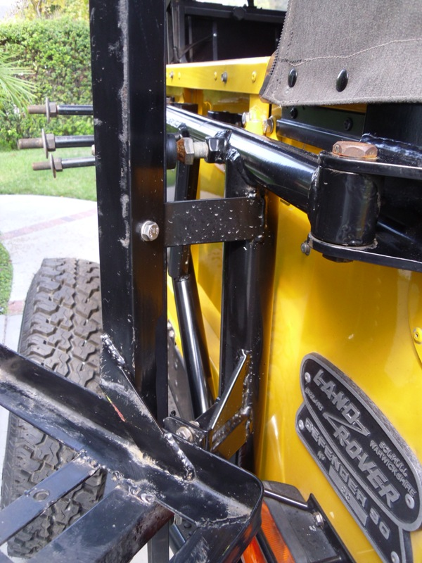 Click image for larger version  Name:tire carrier3.jpg Views:46 Size:178.6 KB ID:54506