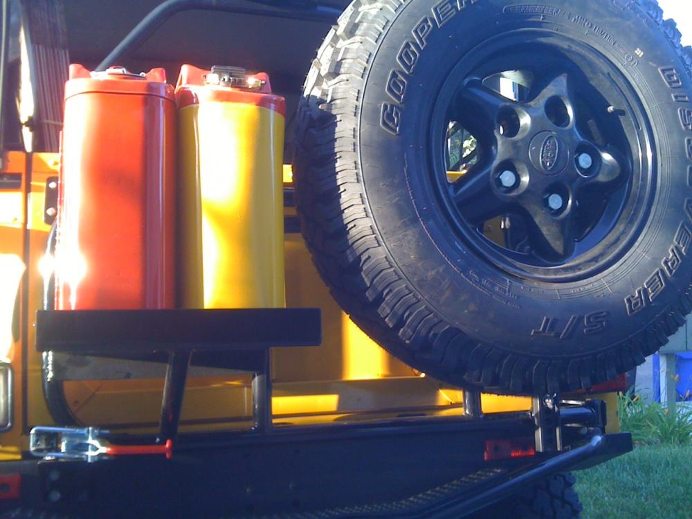 Click image for larger version  Name:tirecarrier3_5pc.jpg Views:1089 Size:90.1 KB ID:53827