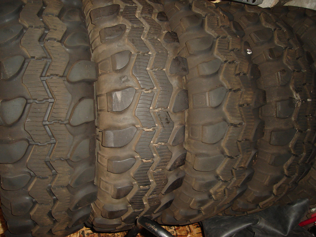 Click image for larger version  Name:tires2.jpg Views:182 Size:290.3 KB ID:19391