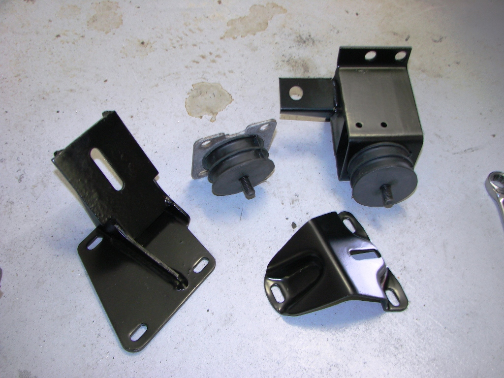 Click image for larger version  Name:Trans Mounts for Auto.jpg Views:65 Size:409.7 KB ID:33775