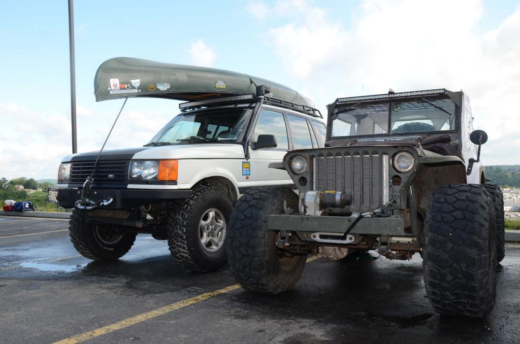 Click image for larger version  Name:ultimate-adventure-2015-part-1-range-rover-and-willys-mb-in-parking-lot.jpg Views:114 Size:90.2 KB ID:128764
