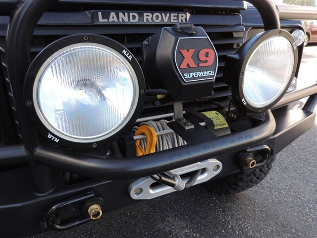 Click image for larger version  Name:used-1995-land_rover-defender_90-2drconvertible-8431-12457549-22-640.jpg Views:238 Size:64.8 KB ID:110401